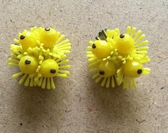 Retro Yellow Flower Clip-on Earrings