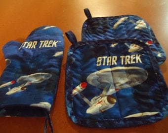 Star Trek Pot Holders & Oven Mitt