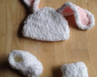Baby bunny hat and booties