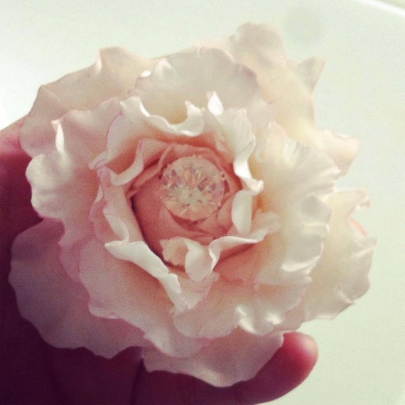 Edible Rose Cake Decoration : Edible Roses/ Cake Toppers/ Wedding Topper