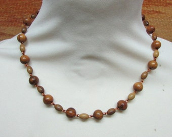 Vintage oval & round olive (?) wood bead necklace