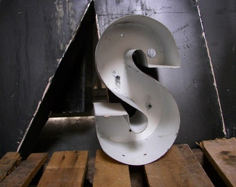 """Salvaged Sign Letters! Metal """"S"""""""