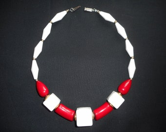 Vintage 1970's Lucite Red and White Chunky Bead Necklace..Retro...Art Deco...Mid Century...Mad Men....