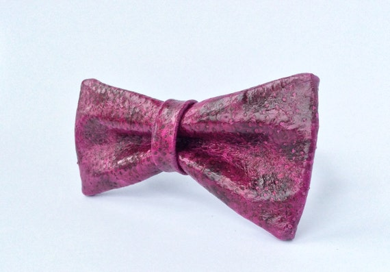 Leather bowtie polkadot bow tie fish by fishleathericeland for Fish bow tie