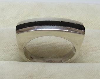 Vintage Sterling Silver Onyx Ladies Ring