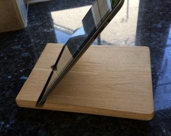 smart pad stand oak