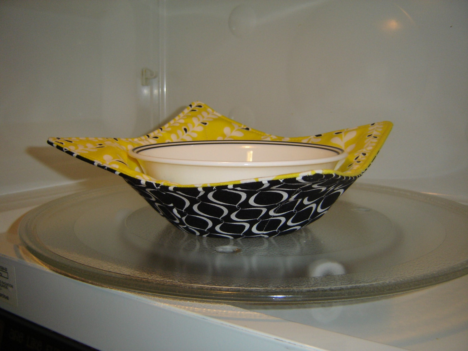 Reversible microwave bowl cozy potholder by suziesewingcreations