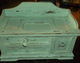 Danity Aqua Color Painted Jewelry Chest..Rings and Things...