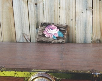 Salvaged Barn Wood Rose Sign