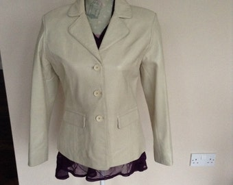 SALE -  Ladies leather jacket by Milan. Fully lined. Size10
