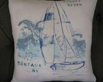 Montauk, Long Island T-Shirt Throw Pillow