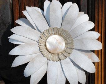 Paper Gerbera Daisy Stem - White Gerbera Daisy-  -  Daisy Decor or Event Centerpiece- Arrangement   -  Custom Colors Available