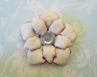 80's Vintage White Flower Brooch