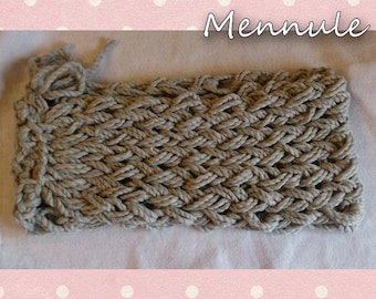 /Neck scarf woven by hand.