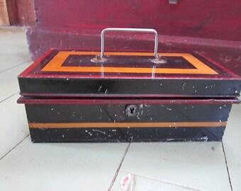 Vintage Cashier Boxe / Metallic banc / Vintage cash Boxe / Vintage Cash draw