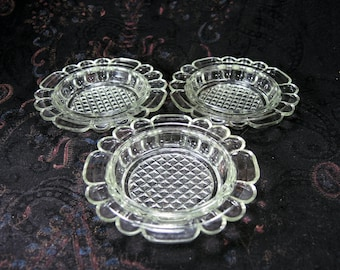 Vintage clear Glass Saucers Small Glass Plates - set of 3