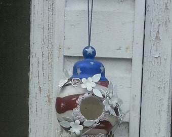 bird house with distressed  patriotic  paint