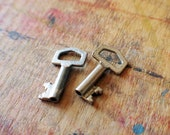 Tiny Angular Antique Key Pair // Fall Sale 20% OFF - Coupon Code FALL20
