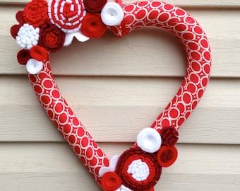 Valentine's Day Heart Wreath - Red & White Wreath - Felt Flower Wreath - Valentine's Day Wreath- Valentine's Day Decoration - Heart Wreath