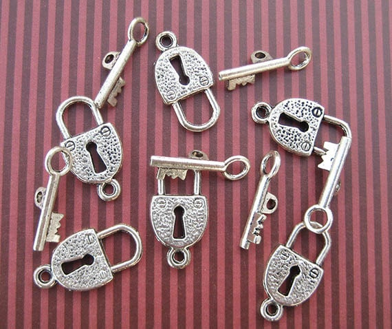 4 (sets) Toggle Clasps, Lock and Key, Silver Plated, Key Charm, Padlock Charm, Silver Clasps, DIY Jewelry - TS147B