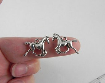 12 Horse Charms in Antiqued Silver - 15mm x 20mm - 3D - double sided