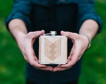 Flask | Wooden CROSSHATCH Design