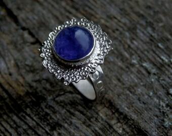 Tanzanite ring / art jewelry ring / circle tanzanite ring / December birthstone / tanzanite jewelry / sterling silver ring / purple gem
