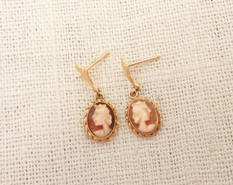 Lovely Vintage 14K Gold Cameo Earrings