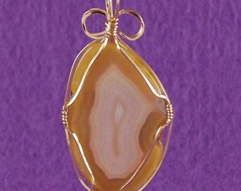 "Imperial Jasper Pendant Necklace 14k Gold Filled Wire Freeform Reversible Creamy White Center Darker Tan Golden Edge 2 1/2"" x 1 1/4"" P265"