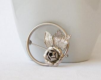 ON SALE Vintage Flower Pin