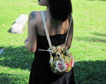 purse in Green floral fabric OOAK  retro drawstring bag backpack  spring bag pouch