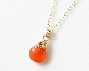 Carnelian Necklace / Gold Carnelian Necklace / Carnelian Pendant / Orange Gemstone Pendant / Orange Semiprecious Necklace