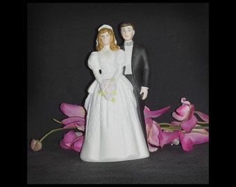 1988 Bride & Groom Ceramic Figurine from Roman / 1988 Bride and Groom Ceramic Cake Topper EHW Roman