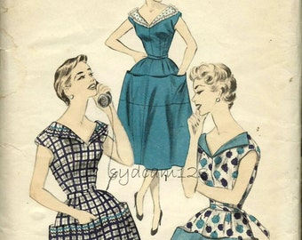 Vintage 1950s Pattern V Neck Cobbler Apron or Coverall Two Lengths 1956 Advance 7757 bust 32