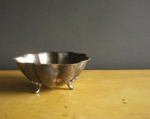 Have Feet, Won't Travel - Footed Silverplate Bowl - Silver Scallop Bowl