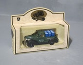 Vintage 1939 Chevy Pickup Truck Replica New in Box NIB / NOS Chevron Promotional Die Cast Model Refinery No 21 Green & Black Truck England