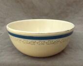 1930's Kitchen Craft Homer Laughlin Mixing Bowl, Vintage pottery bowl, Large Bowl, Serving Bowl, Baking Bowl, Farmhouse Kitchen, Mixing bowl