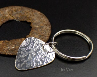 Key ring, guitar pick, silver pick, handmade ring ring, keys, hand hammered, guitar player, man gifts, dude gifts, for him, accessories, guy
