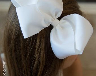 White Big 6 Inch Twisted Boutique Bow Bright White Bow