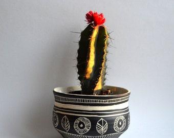 A L D E R  L E A F || tribal ceramic planter
