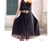 70s French VTG Hippie black pleated and lace colar dress