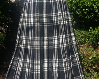 pleated skirt vintage 1970's black white and grey plaid size 6 small rockabilly pinup punk