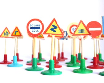 Vintage Plastic Road Traffic Signals - Traffic Sign Pieces from spanish old game  Ask a Question