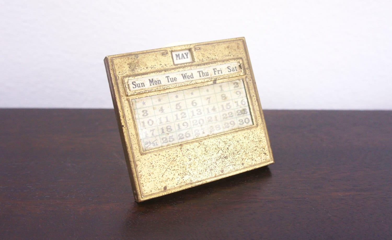Perpetual Calendar Desk : Vintage jemco perpetual desk calendar brass patina plastic