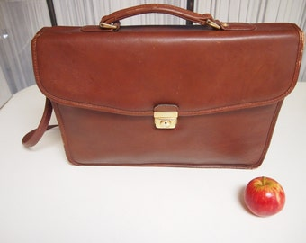 Vintage 1980s leather satchel