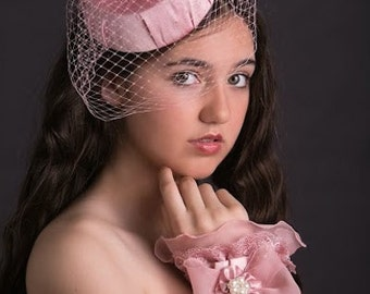 Blush Pink, Veiled Pillbox Hat, Feather Fascinator.. Great for Weddings, Tea Parties and Dressup Dates