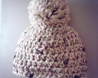 baby pom pom hat, 0-3 mo sized, Newborn photo prop, baby shower, Christmas gift