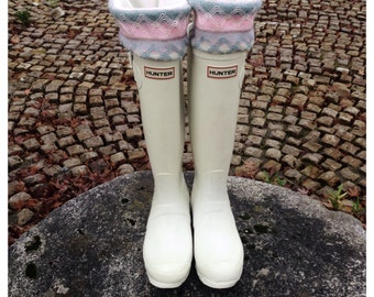 Boot Cuffs SLUGS Fleece Rain Boot Liners Ivory With A Knit Pastel Cuff , Fall Winter Fashion Accessory, Boot Topper (Med/Lg 9-11 Boot)