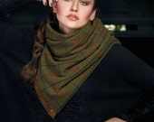Winter wool scarf in plaid green wool with snaps, men's scarf // women's scarf, unisex scarf