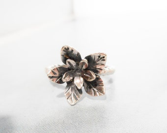 Wild Geranium Wildflower Ring  //  Sterling Silver